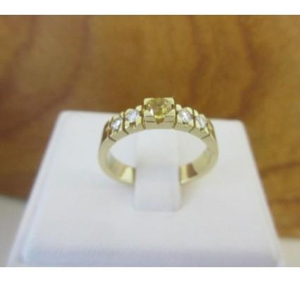 Ring ~ Gouden 14 karaats Ring met Diamant en Gele Saffier