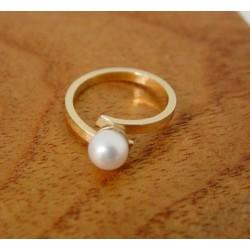 Ring ~ Gouden 14 karaats Zoetwater Parel Ring