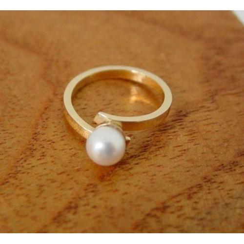 Fabulous Ring ~ Gouden 14 karaats Zoetwater Parel Ring RQ89