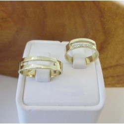 Trouwringen ~ ALODIE Gouden Trouwringen met Diamant