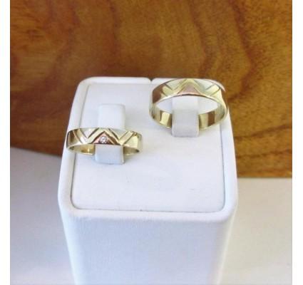 Trouwringen ~ ROMEO Gouden Wit-geel en Roodgouden trouwringen met diamant