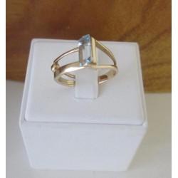 Ring ~ CATA Roodgouden Ring met Topaas