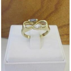 Ring ~ Gouden Ring met Topaas