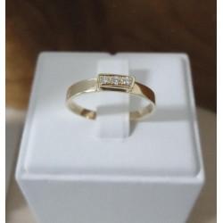 Ring ~ Gouden 14 karaats Rijring met 3 Diamanten