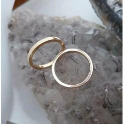 Trouwringen ~ AMORE Klassieke 14 karaats geelgouden gladde trouwringen