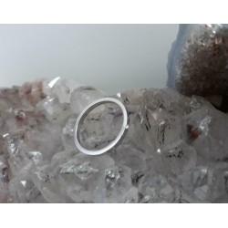Ring ~ Witgouden 14 karaats gladde ring met diamant