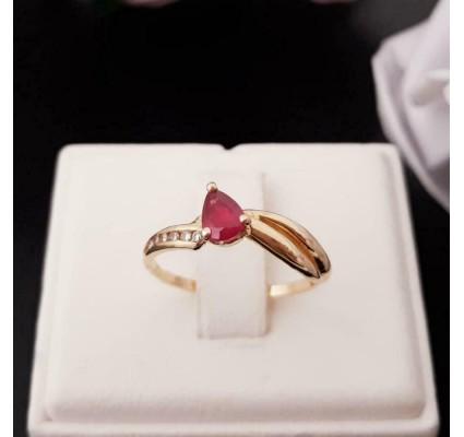 Ring ~ RUBIA Gouden 18 karaats ring met robijn & Diamant.