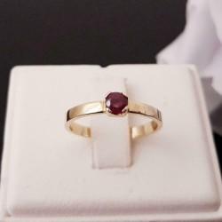 Ring ~ LAUREN Gouden 14 karaats Ring met Donkere Robijn