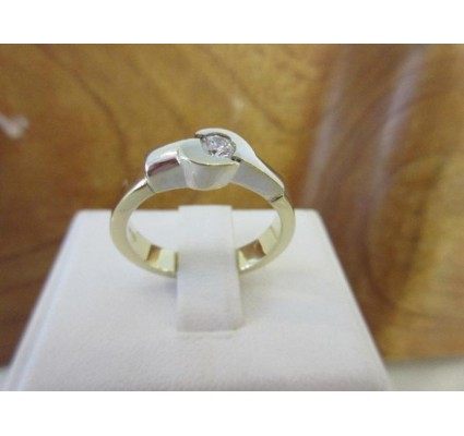 Ring ~ Gouden 14 karaats Bicolor wit- & geelgouden Ring met diamant (0.17 Crt VS)