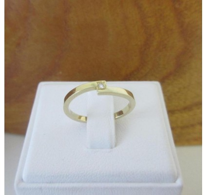 Ring ~ Gouden 14 karaats Ring met Diamant