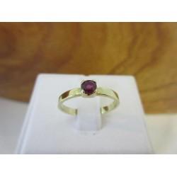 Ring ~ Gouden 14 karaats Ring met Donkere Robijn