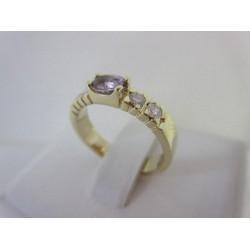 Ring ~ Gouden 14 karaats Ring met paarse Saffier en Diamanten