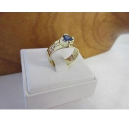 Ring ~ Gouden handgemaakte Ring met saffier & Diamanten