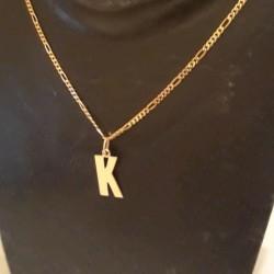 Hanger ~ Gouden 14 karaats Grote letter K hanger
