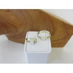 Trouwringen ~ REBECCA Gouden Bicolor (wit- & geelgouden) 14 karaats trouwringen ~ Ontwerp zelf