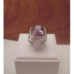 Ring ~ Witgouden 14 karaats Ring met Amethist maat 17 , 17,5