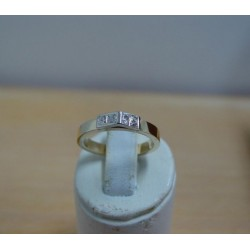 Ring ~ Gouden bicolor (wit- & geelgouden) 14 karaats Design ring met Diamant