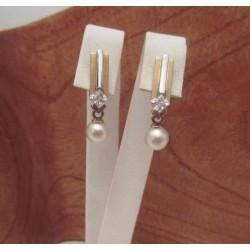 Oorbellen ~ Gouden Bicolor (wit- & Geelgouden) Oorbellen met Zoetwater Parel