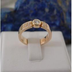 Ring ~ Roodgouden 14 karaats ring met Diamant