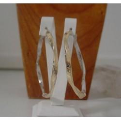 Oorbellen ~ Gouden 14 karaats gedraaide wit- & geelgouden Creool Meander Grieks Bicolor